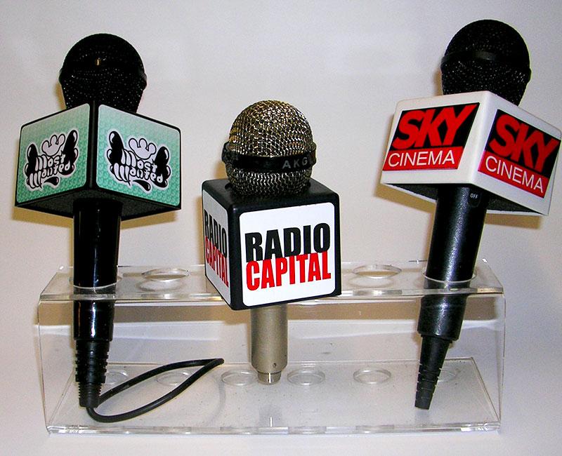 ABC Caratteri flag porta microfono a milano